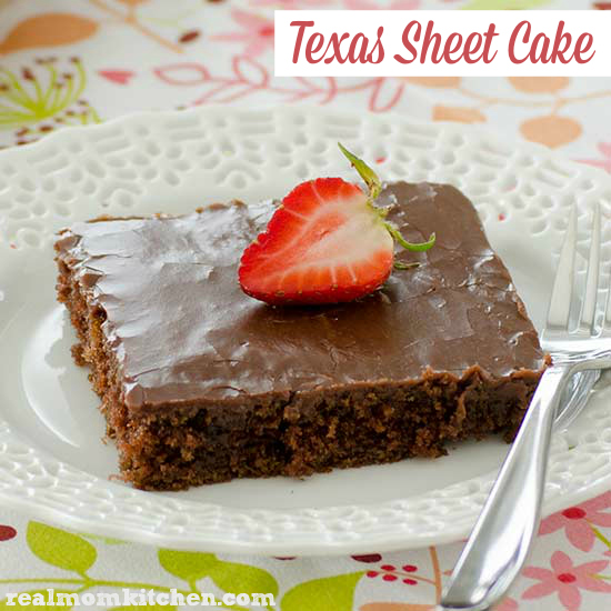 Texas Sheet Cake | realmomkitchen.com