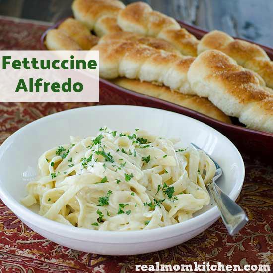 Fettuccine Alfredo | realmomkitchen.com