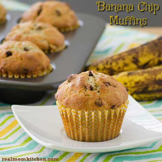 Banana Chip Muffins | realmomkitchen.com