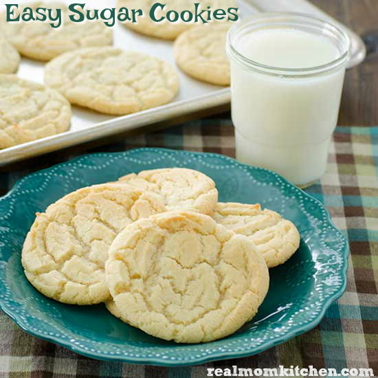 Easy Sugar Cookies | realmomkitchen.com