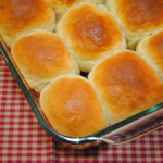 picture of sour cream yeast rolls