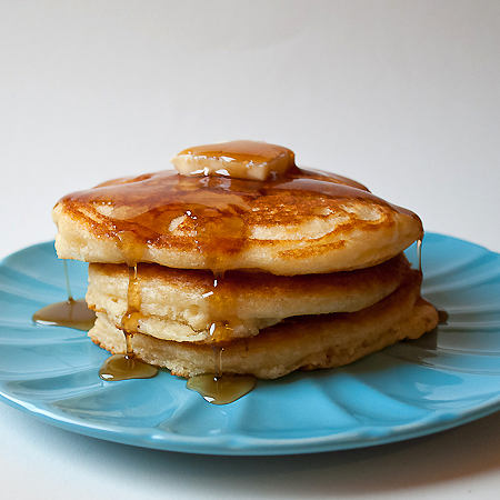 picture of stack of fluffy buttermilk pancakes