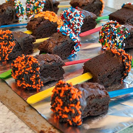 Brownies N Berries Dessert Pizza And Brownie Pops Real