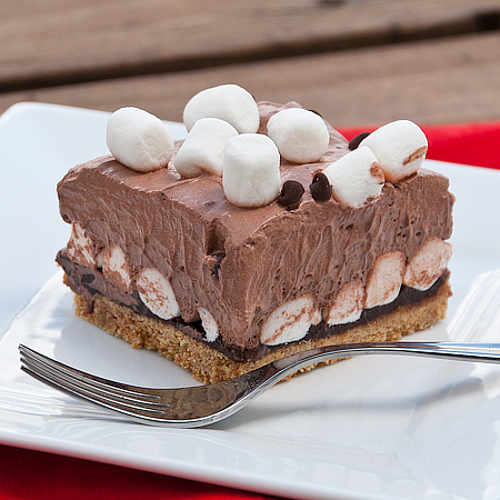 Kids in the Kitchen – Heavenly S'mores Pie