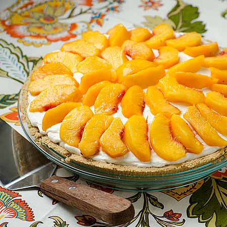 Peaches and Cream Pie | realmomkitchen.com