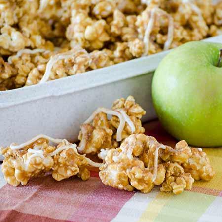 Caramel Apple Pie Popcorn   realmomkitchen.com