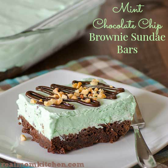 Mint Chocolate Chip Brownie Sundae Bars | realmomkitchen.com #CelebratingFood2015