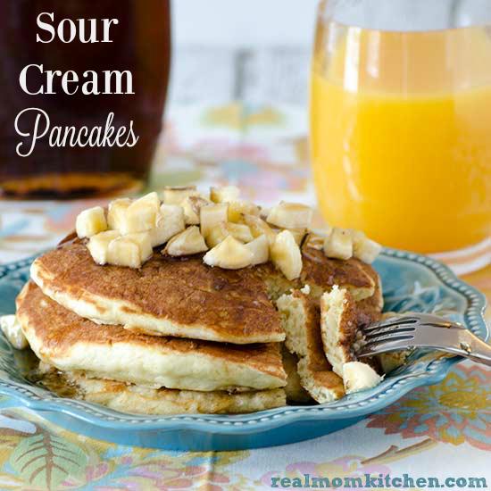 Sour Cream Pancakes   realmomkitchen.com