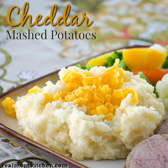 Cheddar Mashed Potatoes | realmomkitchen.com